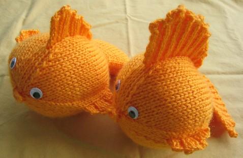 «Золотая рыбка спицами»